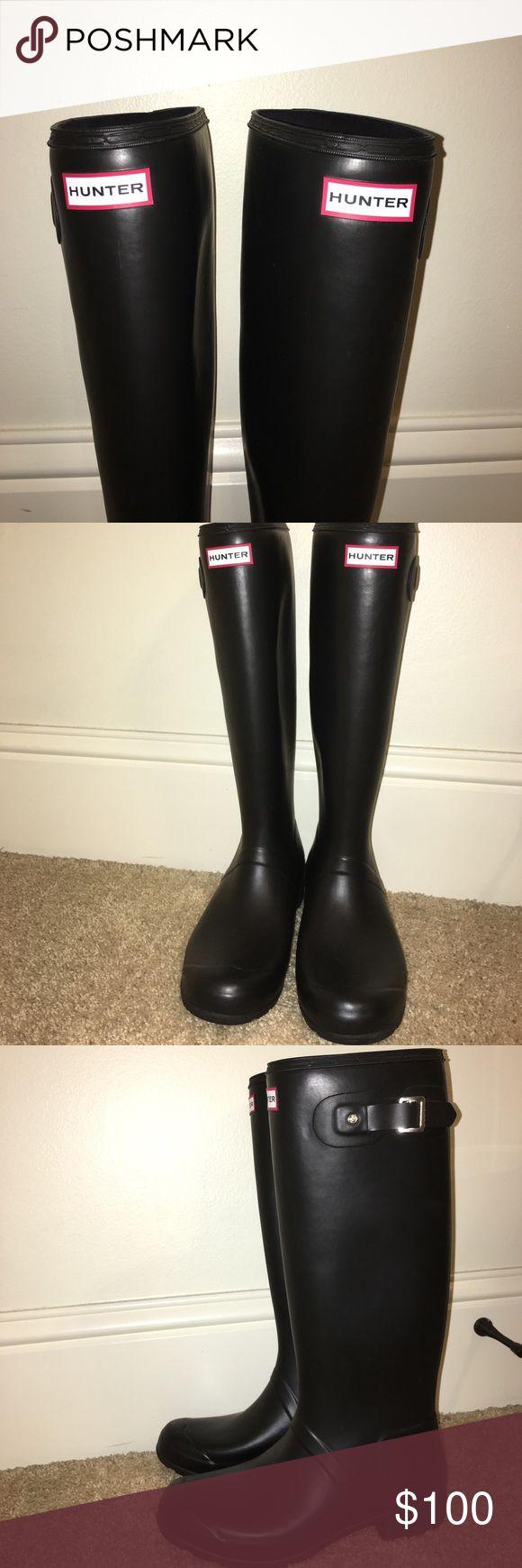 HUNTER black rain boots Brand new never worn authentic hunter rain boots Hunter Boots Shoes Winter & Rain Boots