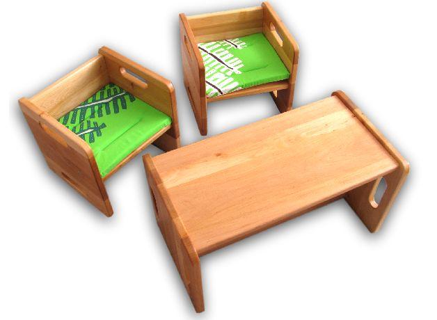 Sie bieten auf ein neues *lackiertes Kinderstuhlset*. Die Stühle sind aus massivem Erlenholz hergestellt. Durch Drehen des Stuhls sind 2 Sitzhöhen (17/31 cm) erreichbar, läßt sich auch das...