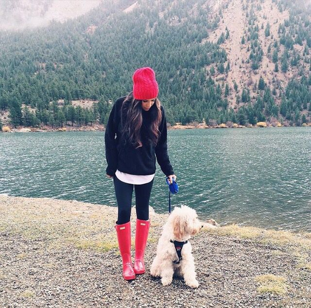 Hunter boots, Patagonia pullover, red beanie