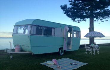 Una forma distinta de ir de vacaciones. Caravanas retro en Nueva Zelanda