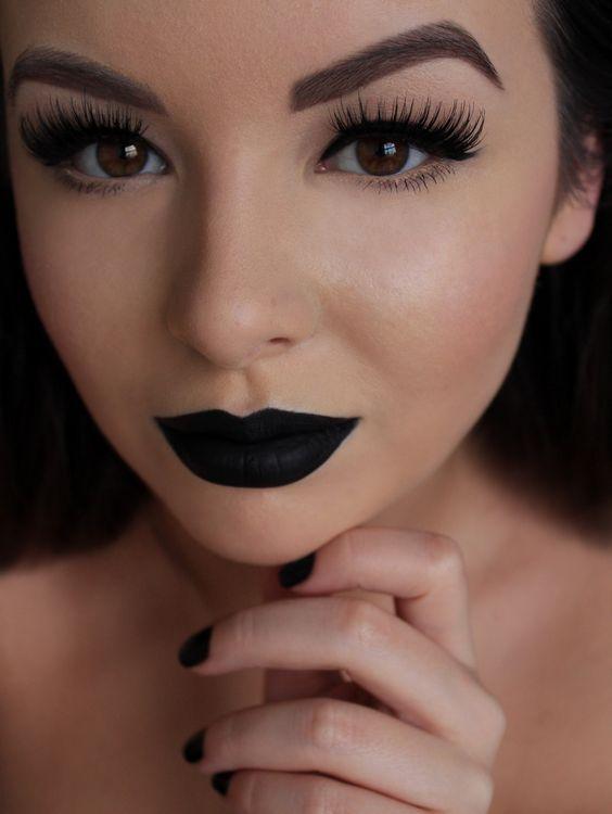 Guita Moda: 8 makes com batom preto para garotas de atitude