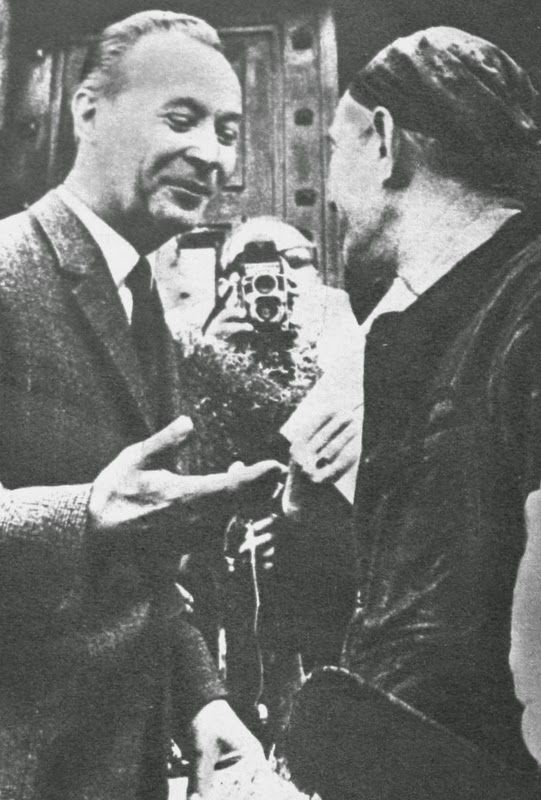 OĞUZ TOPOĞLU : 20 ağustos 1968 sovyet birlikleri çekoslovakya işg...
