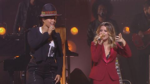 Friday (Dec. 2) cannot get here soon enough. I mean, we've got CMT Crossroads: Alicia Keys and Maren Morris in our calendar with an alarm set on our phones.💜💜