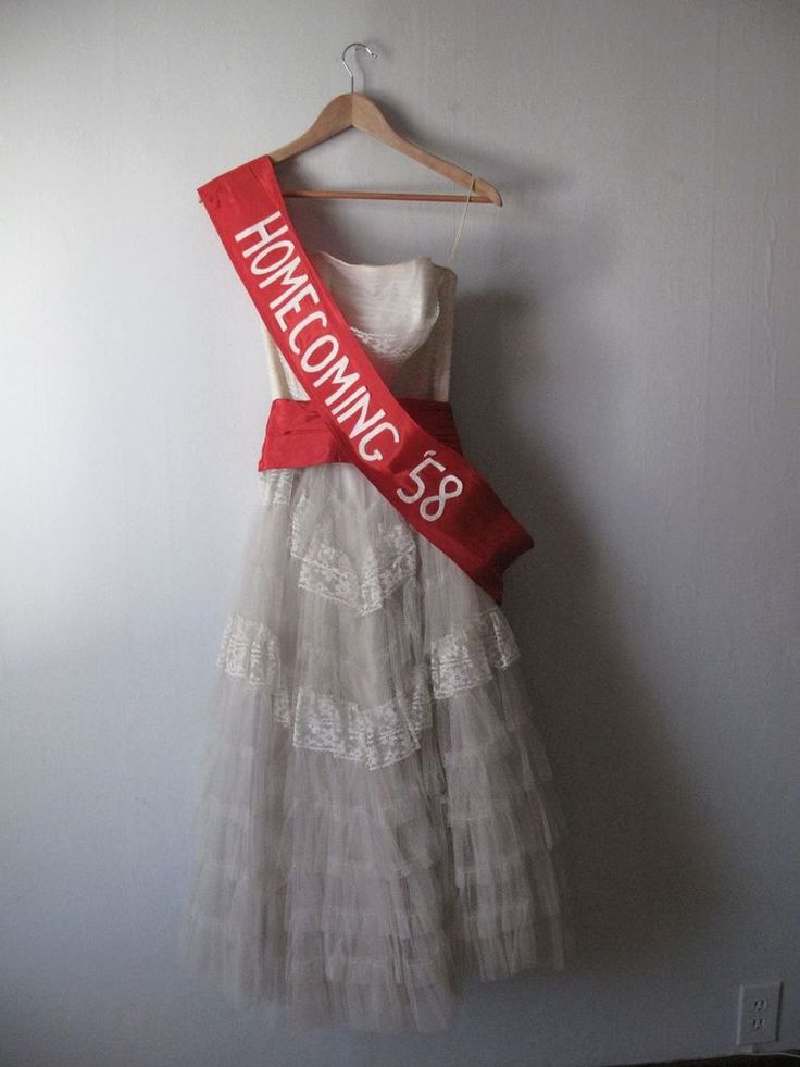 1958 Homecoming Queen Prom Dress Gown - tulle & lace- 1950s Dress
