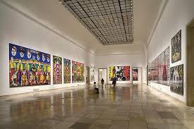Das Haus der Kunst ist ein öffentliches Museum ohne eigene Sammlung und ein weltweit führendes Zentrum für zeitgenössische Kunst. Es ist der Untersuchung der Geschichte und der Geschichten der zeitgenössischen Kunst verpflichtet; im Mittelpunkt stehen Ausstellungen, Recherche und Wissensvermittlung.  Durch sein Programm unterstreicht das Haus der Kunst, dass die Entwicklungslinien der zeitgenössischen Kunst global und vielschichtig verlaufen und nicht durch geografische, konzeptuelle und…