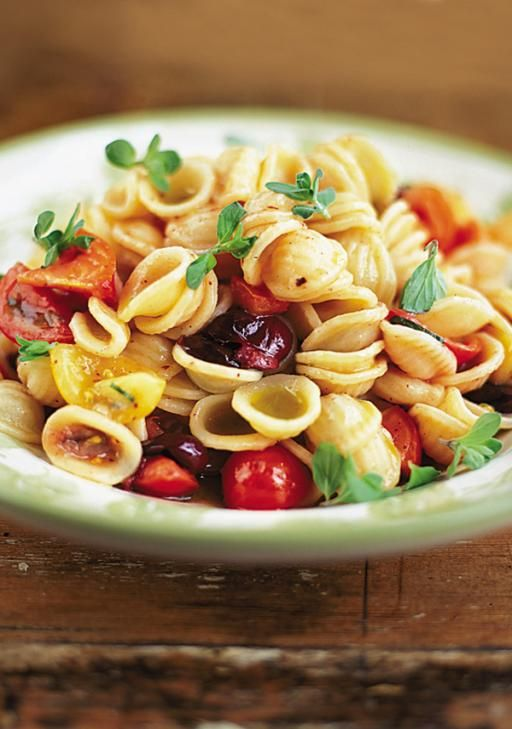 Orecchiette with raw tomato sauce Recipe