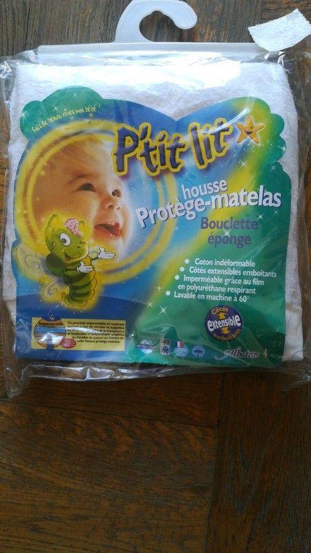 Housse matelas lit bébé