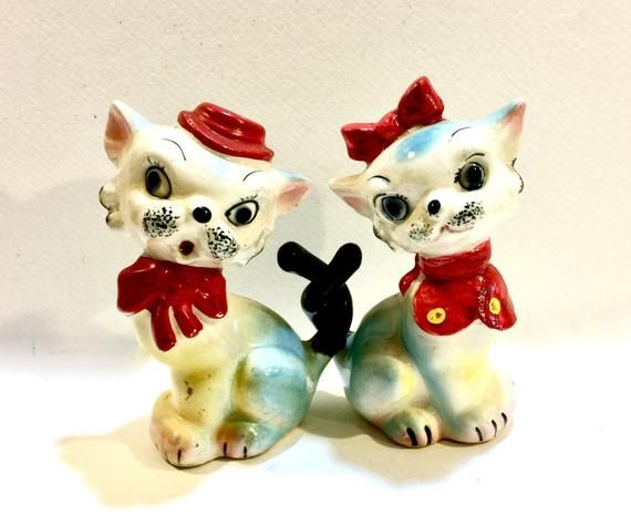 Vintage Cat Salt /& Pepper Shaker Red and White Polka Dot Anthropomorphic Gray and Black Collectible