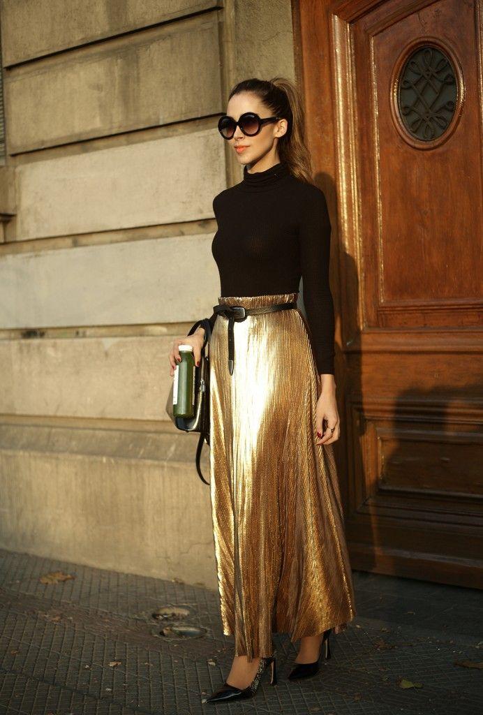 Bloguera Chilena. Falda dorada.