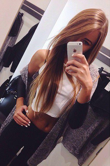 gorgeous long hair + cute outfit idea!