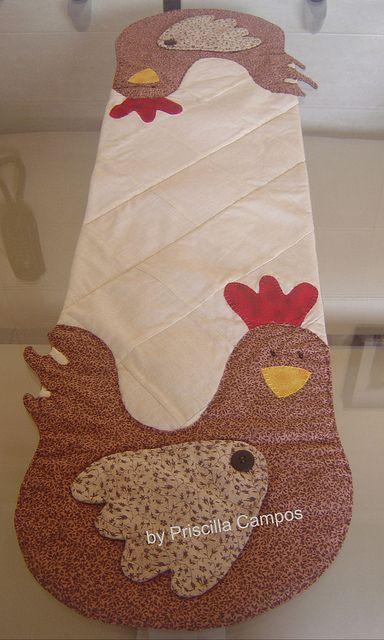 .caminho de mesa de galinhas