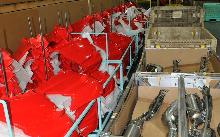 Les pièces sont prêtes pour le lot suivant de véhicules Pioneer rouge - Galerie de photos - Quadnet.ca - Le Monde du VTT