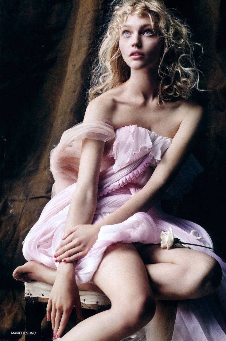 Sasha Pivovarova by Mario Testino - Vogue UK December 2006.