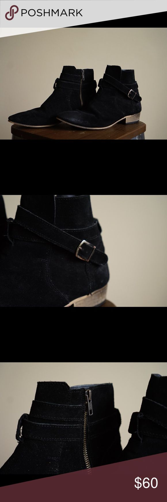 Topman Black Chelsea Boots Black Chelsea boots with buckle and zippers Topman Shoes Boots