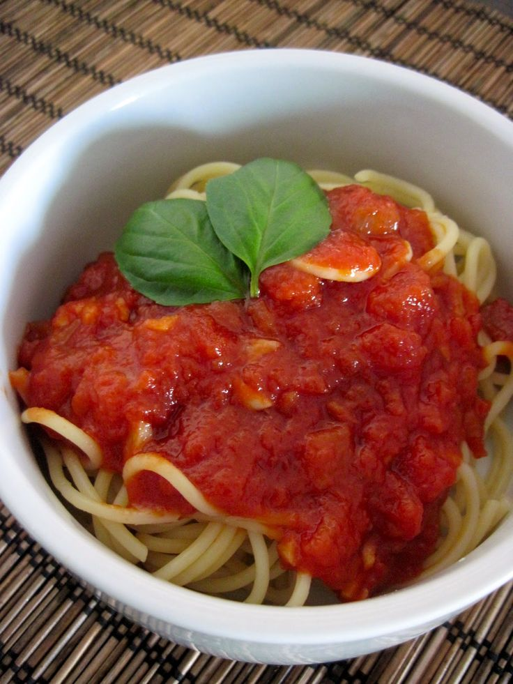 There are lots of things I miss about my New York home and one of those things is Pastabilities. Delicious pasta, bread and sauce. Clearly i...