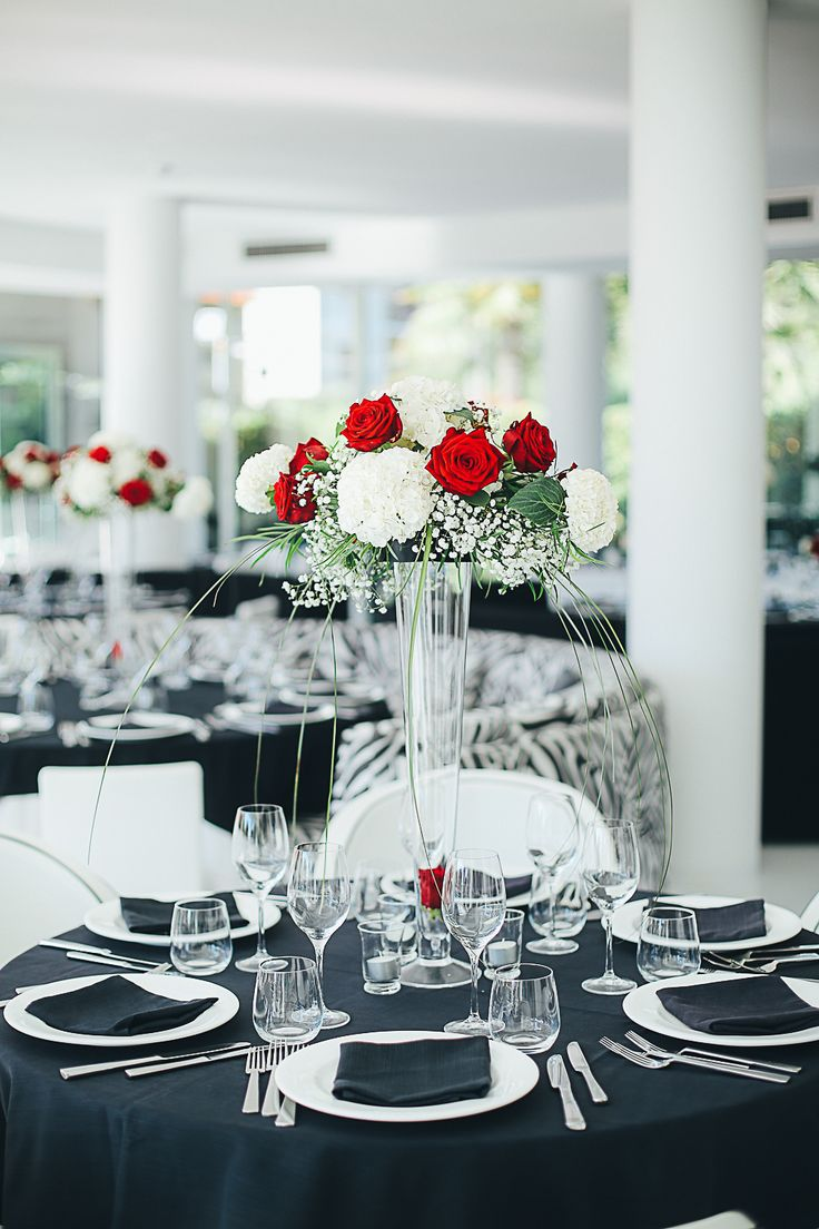 Black White Red Table Set Centerpiece