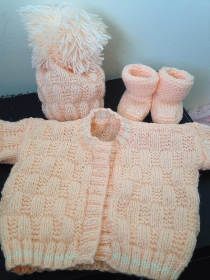 Baby brea outfit  - Knitting creation by heldo | Knit.Community