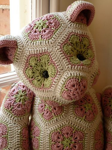 I'm sure that quite a few of you have seen the amazing teddy bears made using the African Flower squares on Ravelry.  Here's a little beauty!  Lollo the African Flower Bear by Heidi Bears from Heidi Bears Blog  This little bear however was made by the incredibly talented hamishbrown on Ravelry, using the above pattern. Lovely work!