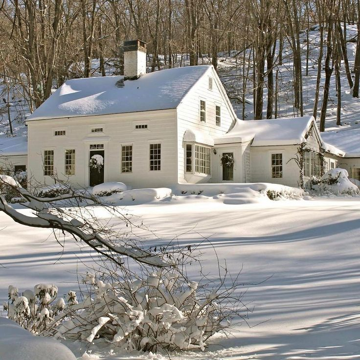 #flashbackfriday So far not as snowy as last year! C'mon spring, hurry up! :) www.connecticutcountryhouse.com #ConnecticutWinter