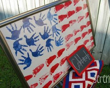 4th keepsake...decoration kids can make ! This child's hand and foot flag art via Serendipity. would make a sweet keepsake long after 4th of July, or get the class involved for a memorable teacher's gift.
