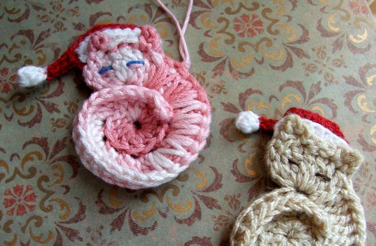 Tiny Crocheted Cat Ornament or Applique Instructions