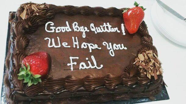 """Eski patrondan yeni iş tebrik pastası: """"Başarısız olmanı umuyoruz!"""" :) Başarılı bir gün dileriz! . . . .  #goodbye #quitter #fail ##işhayatı #işealım #ik #ikTürkiye #ikblog #cake #goodmorning #gün"""