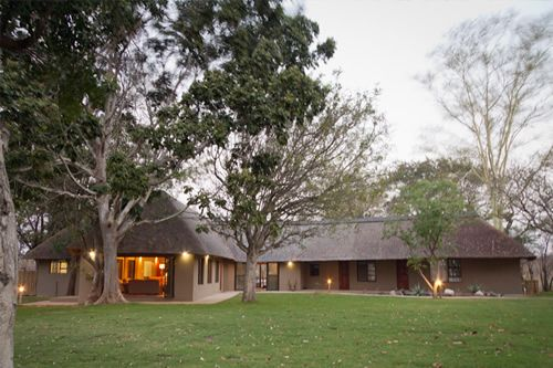 Xanatseni Private Camp in Klaserie Private Nature Reserve, Limpopo, full board luxury accommodation and game drives.