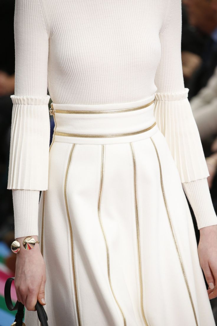 Salvatore Ferragamo Fall 2016 Ready-to-Wear Fashion Show Details