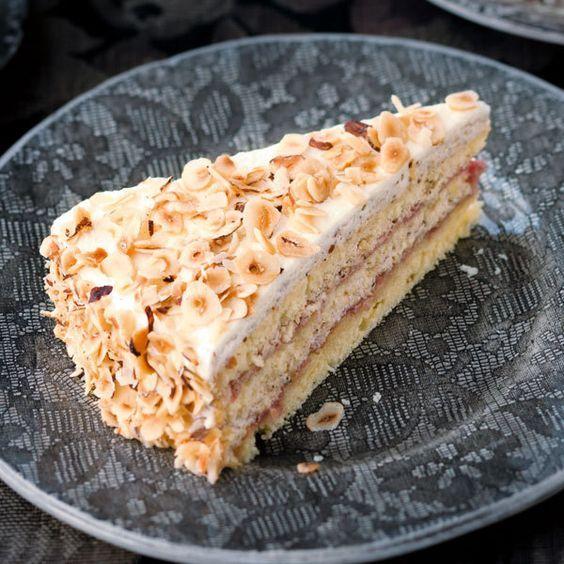 Deutsche Kuchen Rezepte: Nusstorte, Kuchen Und