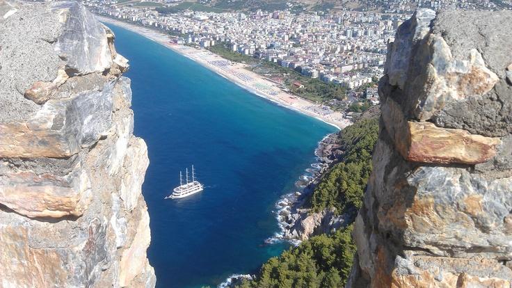 Alanya kalesinden kleopatra plajı