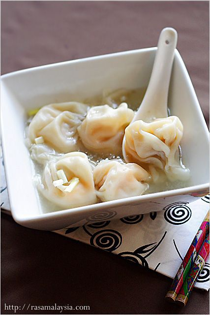 Wonton Soup FILLING (SHRIMP): 8 oz peeled and deveined big shrimp 1 oz yellow chives or scallions, chopped finely 1/4 teaspoon sesame oil 1/2 teaspoon chicken bouillon powder 1/4 teaspoon fish sauce Pinch of salt 3 dashes white pepper 1/2 teaspoon corn starch