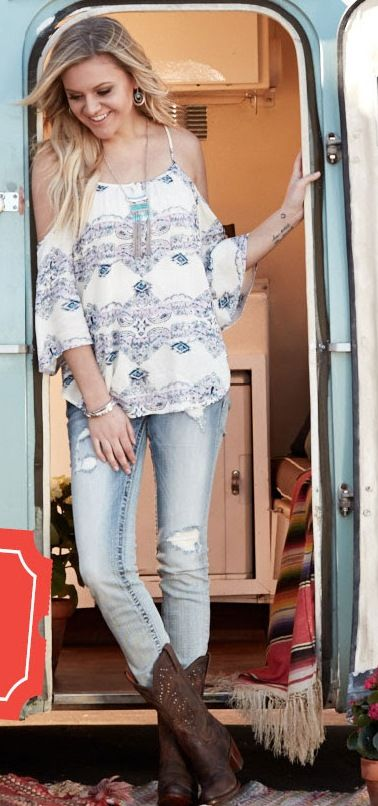 Kelsea Ballerini Boot Barn Autumn Outfit Keepin' it country