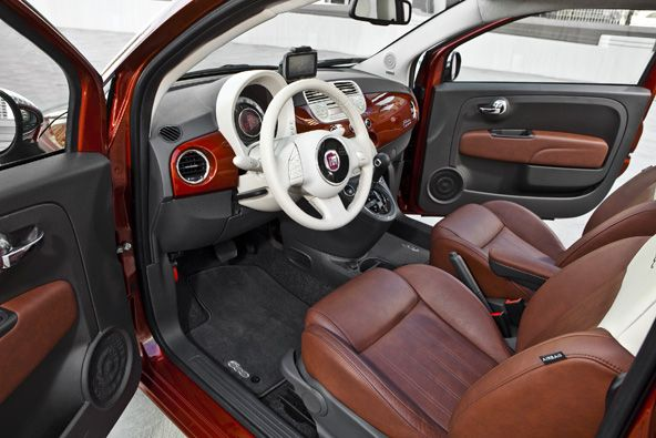 I have to admit the Fiat 500 looks fantastic inside.