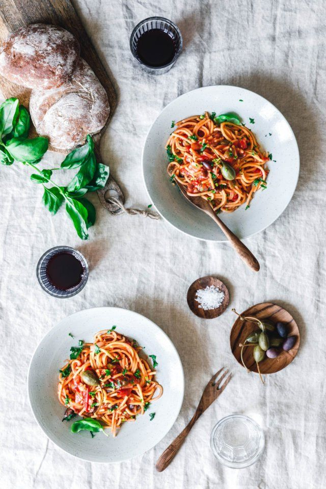 One Pot Spaghetti alla puttanesca · Eat this! Vegan Food & Lifestyle