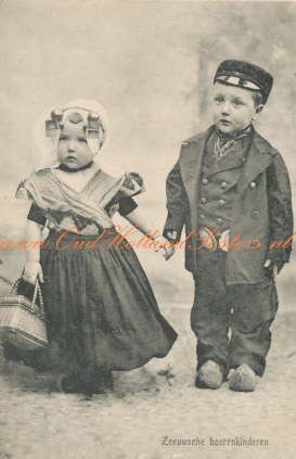 ♥Zeeuwsche boeren kinderen 1912 foto poster