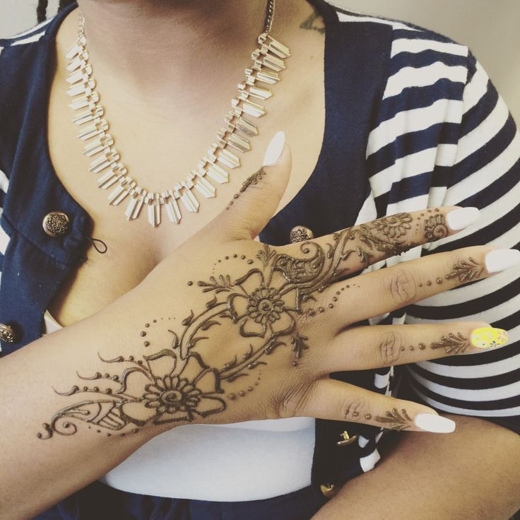 1000+ Ideas About Henna Body Art On Pinterest