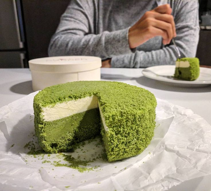 Enjoying a Frozen Matcha Double Fromage Cheesecake from @cheesegarden_ca! Layers of creamy frozen mascarpone cream cheese baked matcha cheesecake and matcha sponge cake crumble. Delicious. #frozencheesecake #northyork #toronto