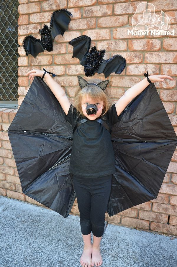 Make a bat costume with an umbrella (full tutorial)