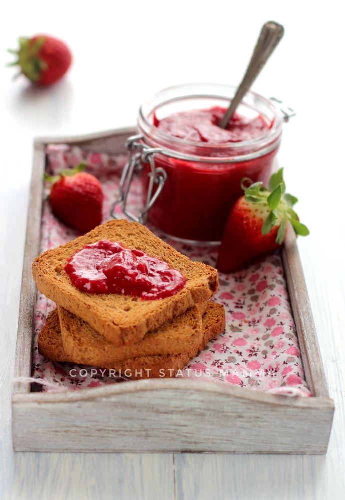 Il curd di fragole, o strawberry curd marmellata di fragole con uova facile morbida e cremosa confettura inglese colazione merenda food photograpy gialloblog giallozafferano
