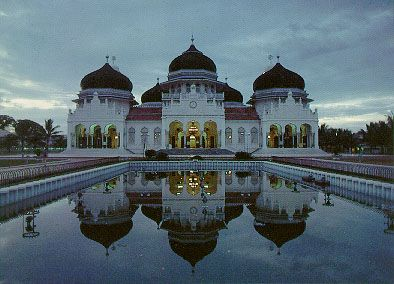 Mosques in Russu | Islam spread to the far east (Indonesia) and today that country has ...