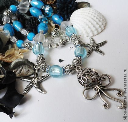 'МОРЕ' - колье. Легкое невесомое колье для поездки на отдых и море.  материалы: лэмпворк, богемское стекло, металл, стразы.