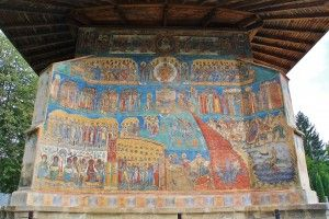 Voroneț (voro -netz) famous fresco of the Last Judgment painted on the west wall. The color was named after it: Voroneț Blue. Built 1488