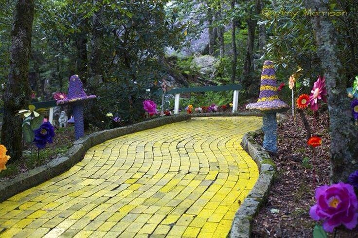 Land of Oz PLEASE PLEASE PLEASE CAN WE GO THIS IS MY CHILDHOOD WE'RE TALKING ABOUT