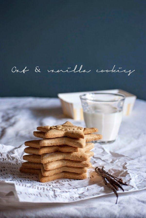 Sani, veloci, golosi, semplici, da inzuppo e pure carini ci aggiungerei. Di quei biscotti con i quali riempi quei deliziosi barattoli in ...