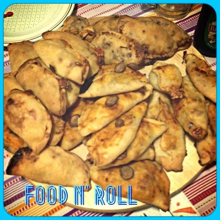FOOD N' ROLL   ......................   il blog   ...: I PANZEROTTI...
