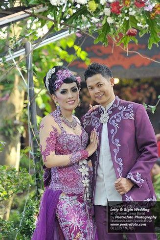 Foto Pengantin dg Model Baju Kebaya Pengantin Pernikahan Modern warna Ungu | Foto Pernikahan Letty+Gigin di Cirebon Jawa Barat, http://wedding.poetrafoto.com/foto-model-baju-kebaya-pengantin-pernikahan-modern-ungu-di-cirebon_488