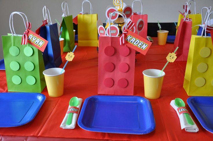Decoración de mesa de Fiesta de Lego.