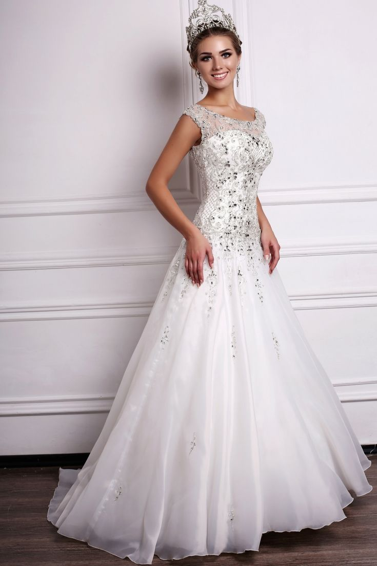 Big girl wedding dresses  Grab Inspirations For Your Wedding Gown With Our Large Wedding Dress