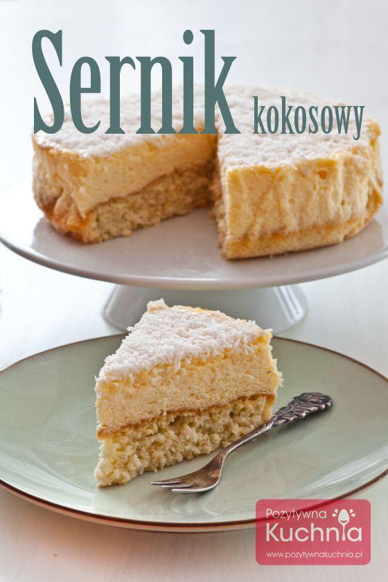 #Sernik z kokosem - #przepis na sernik kokosowy na biszkopcie z dodatkiem wiórków kokosowych, z serowej masy kokosowej, polany polewą z białej czekolady, posypaną… kokosem ;)  http://pozytywnakuchnia.pl/sernik-kokosowy/  #kuchnia #ciasto
