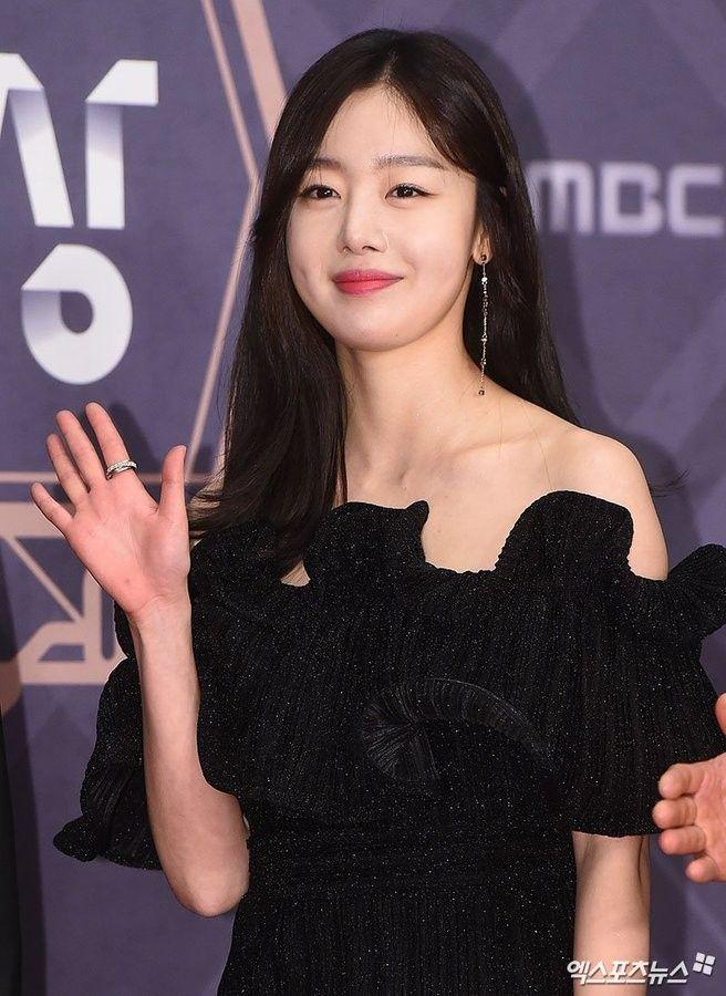 Han Sunhwa @ 2018 MBC Drama Awards Red Carpet   ɢɪʀʟ